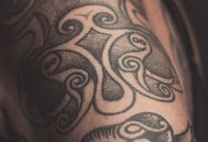 Historiskemorgener_tattoo_2000x1125Zarko Ivetic_behandlet